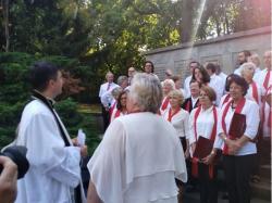 Modlitwa przy pomniku pomordowanych (7)