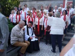 Modlitwa przy pomniku pomordowanych (4)